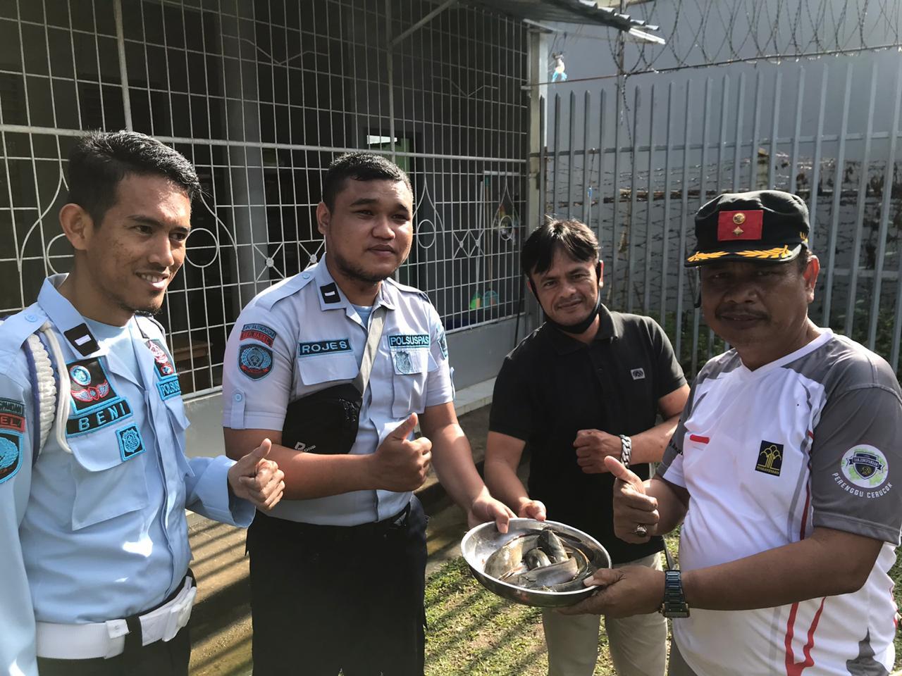 Budidaya Perikanan Lapas Tanjungpandan Berhasil, Kalapas dan WBP Panen Lele