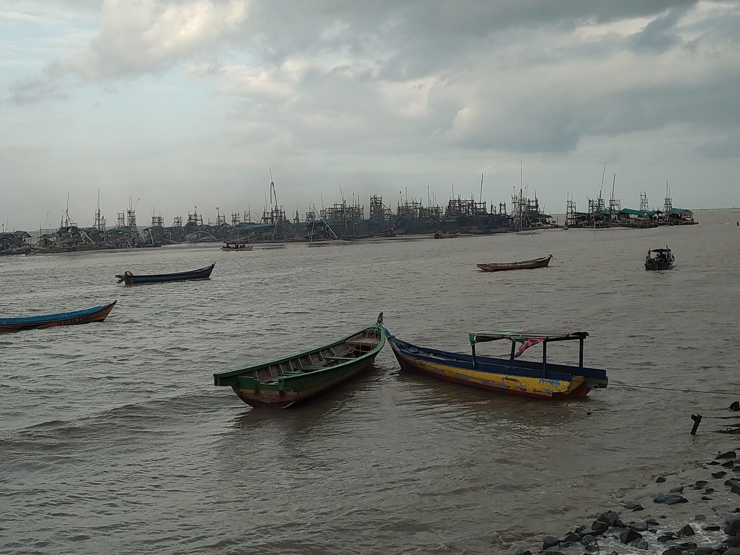 Berjarak Kurang dari 100 Meter dari Bibir Pantai,Tambang Rajuk Samfur Beroperasi